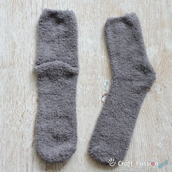 Chenille Microfiber Socks - Light Gray