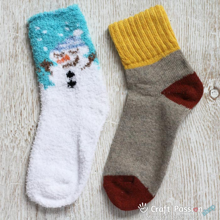 snowman chenille sock set